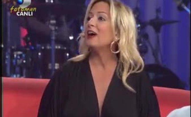 Saba Tümer Ve Demet Akalin Göğüs Ve Bacak Show Göt Show Frikik Songaz