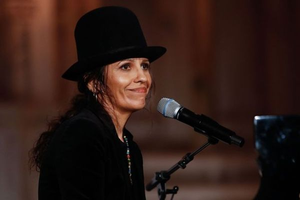 Linda Perry issues apology to Lady Gaga after saying