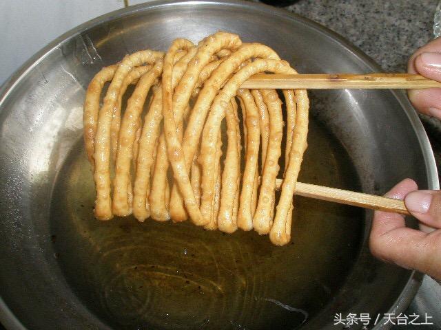 手把手教你做新疆美食,酥軟香脆的饊子 - 每日頭條