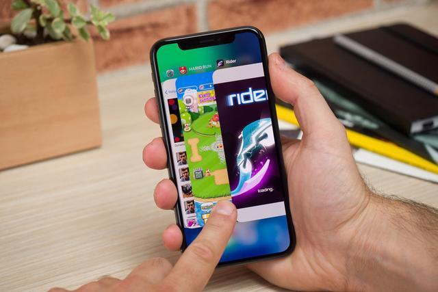 蘋果手機品牌大、iOS系統好!除了價格貴。這兩點用戶無力吐槽 - 每日頭條