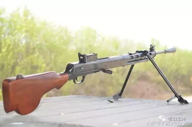 吃雞里的轉盤機槍:打完小鬼子打美軍。生產了80萬挺 - 每日頭條