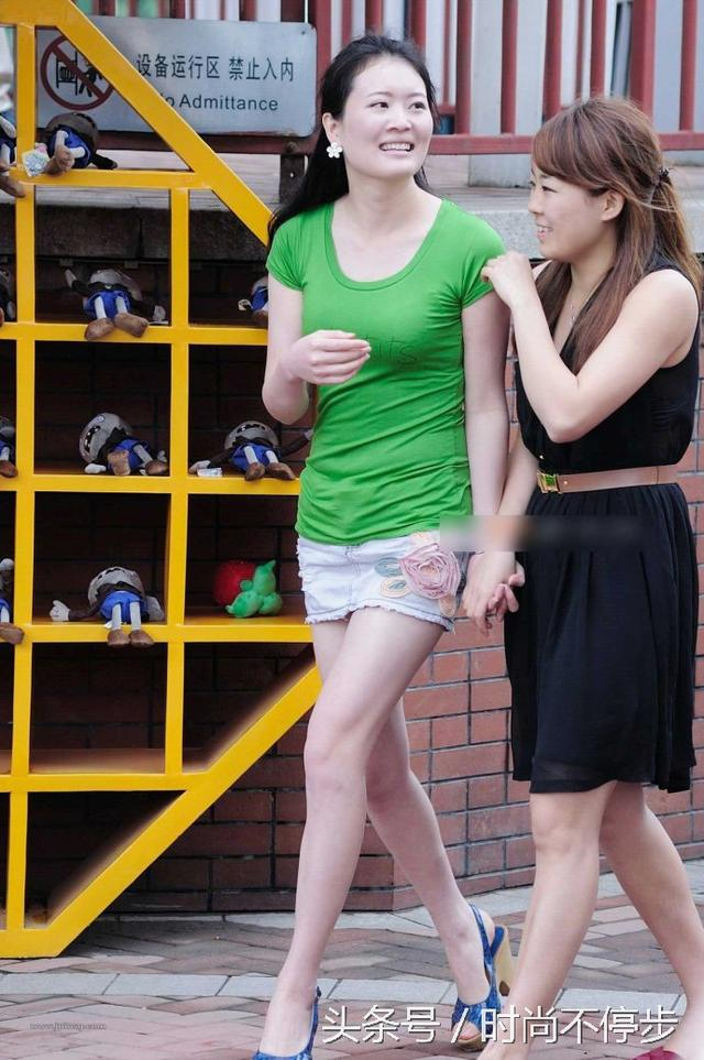 街拍北京美女。不輸重慶美女。美女如雲 - 每日頭條