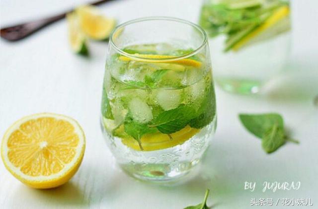 吃過的檸檬籽不要扔。教你如何種成檸檬樹。簡單修剪就成盆栽 - 每日頭條