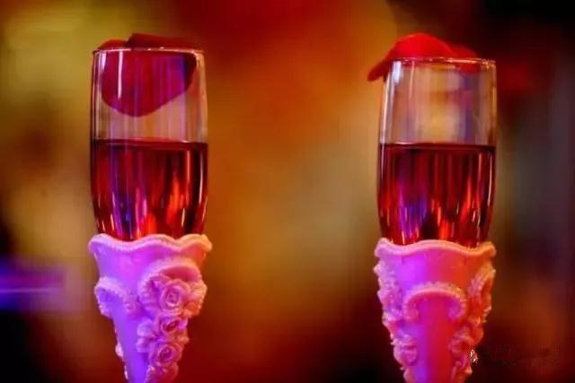 「交杯酒」的習俗是這樣來的! - 每日頭條