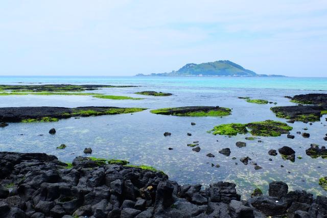 遊玩畫冊 韓國濟州島挾才海水浴場旅遊遊記 很多人特意來這看日落 - 每日頭條