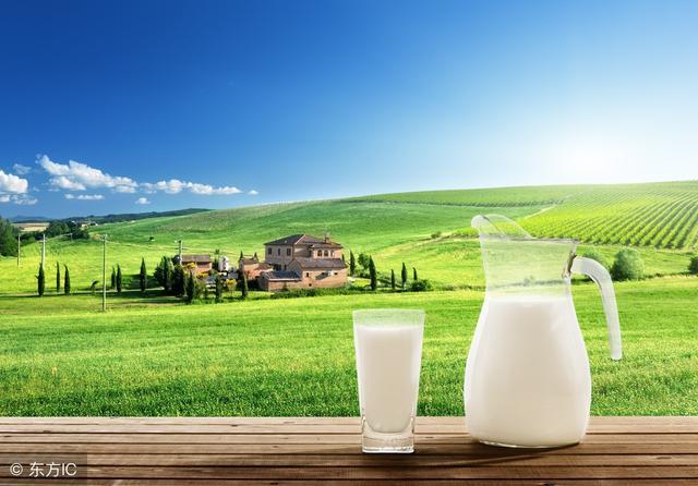 大家都知道晚上睡前喝杯熱牛奶好處多多。到底是什麼好處呢 - 每日頭條