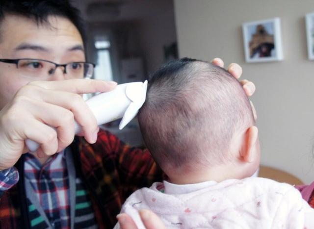 寶寶滿月。究竟要不要剃胎毛?聽聽專家怎麼說 - 每日頭條