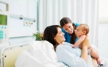 產婦坐月子是否要遵守一些習俗?這三個禁忌其實可以做 - 每日頭條