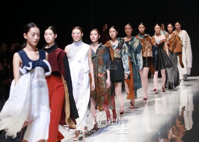 北京服裝學院舉行2017屆畢業設計展 - 每日頭條