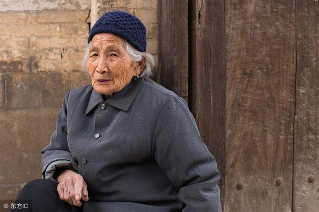 老年人身上的「老人味」是怎麼來的?怎樣減少老人味? - 每日頭條