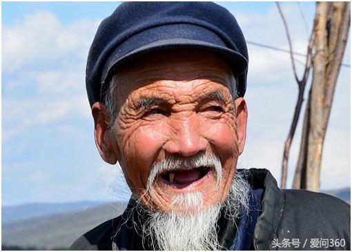 沒牙老人該吃什麼好?無牙老人的飲食護理注意! - 每日頭條