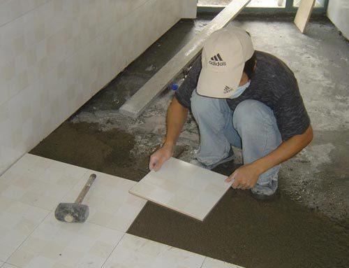 客廳瓷磚是干鋪好還是濕鋪好?老師傅的一席話讓我「醍醐灌頂」 - 每日頭條