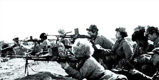 第四野戰軍炮兵有多厲害?9000多門大炮。從哪裡來的? - 每日頭條