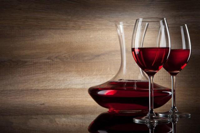 睡前喝紅酒好什麼好處你知道嗎? - 每日頭條