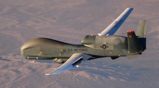 RQ-4「全球鷹」無人機圖集 - 每日頭條