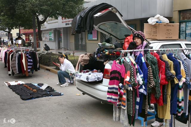 擺地攤賣衣服的秘訣 - 每日頭條