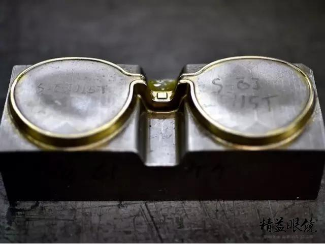 看完這條,睛靈,你就會知道好眼鏡價格高的原因了 - 每日頭條