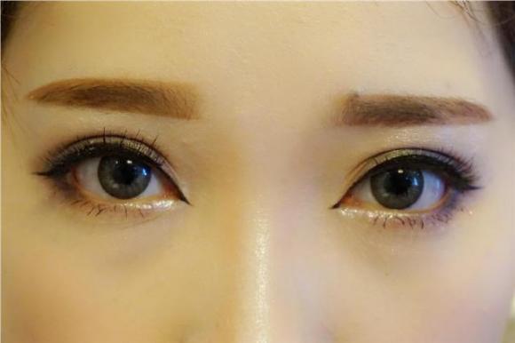 女人再懶也要會畫眉。化妝師教你簡單三步。不僅快效果還超級好看 - 每日頭條