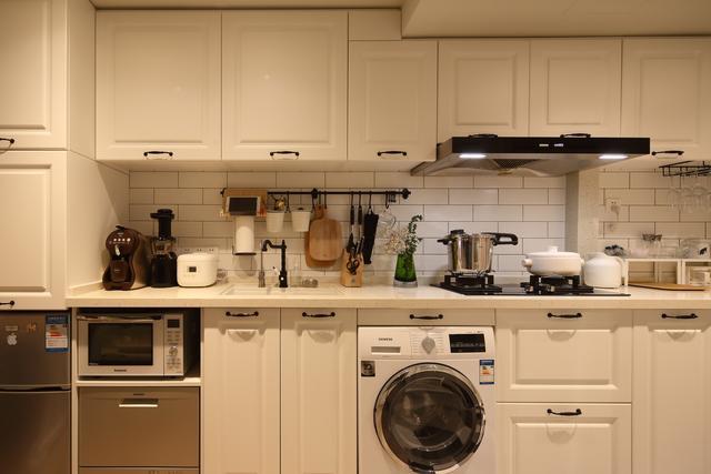 廚房臺面選什麼材質?石英石、大理石、不鏽鋼、巖板。哪種更好? - 每日頭條