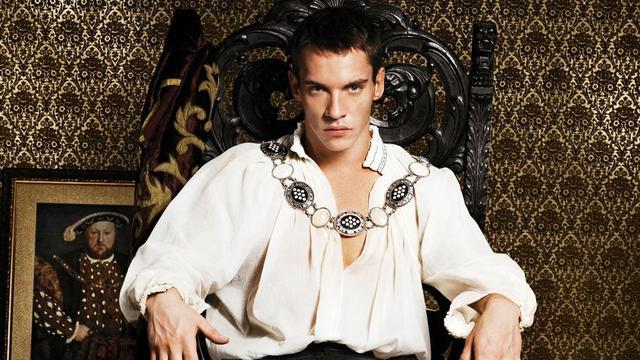 《權力的遊戲》里的小玫瑰,飾演的另一大尺度美劇,《都鐸王朝》 - 每日頭條