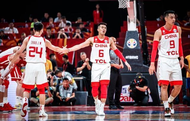 領先三分,犯規送對手罰球,他是今晚中國男籃輸球罪人 - 每日頭條