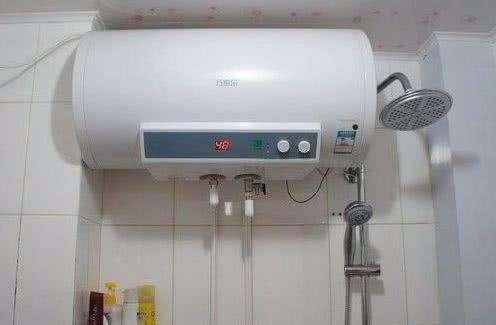 洗完澡後。熱水器要不要關?抄電錶師傅說出答案。原來這樣更省電 - 每日頭條