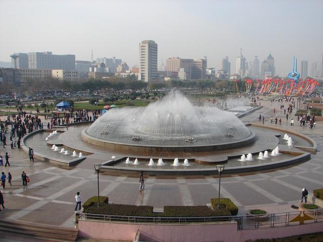 濟南泉城廣場——山東遊(5) - 每日頭條