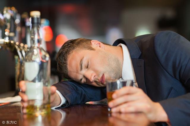 強制戒酒 讓青島「老醉翁」出現精神癥狀。酒要如何戒呢? - 每日頭條