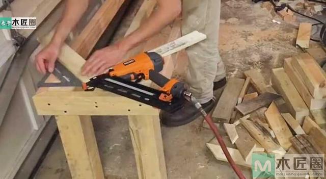 怎樣用舊木板diy個性「魚尾長凳」 - 每日頭條
