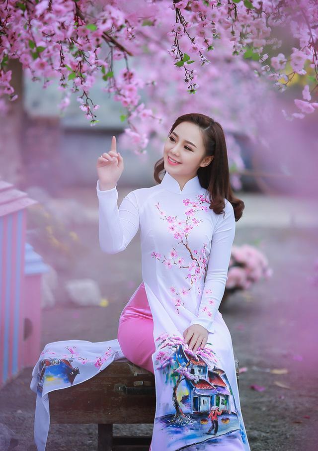 那麼多越南妹子來中國工作,她們都上什麼班? - 每日頭條
