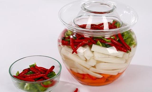 百吃不厭的四川美食:四川泡菜。酸辣爽口。脆嫩開胃家人都喜歡吃 - 每日頭條
