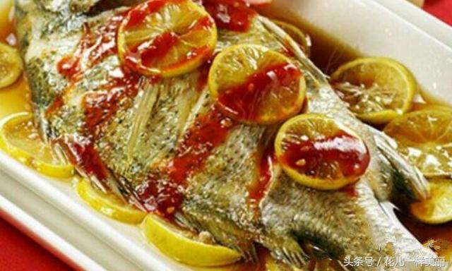 冬季了。魚是最好補鈣食物。怎樣做好各種清蒸魚。值得分享給親! - 每日頭條