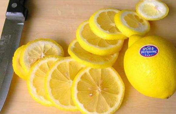 檸檬片泡水有什麼副作用 - 每日頭條