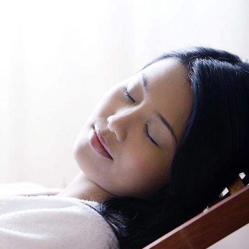 早醒多夢淺睡眠,吃這些一天睡足8小時 - 每日頭條