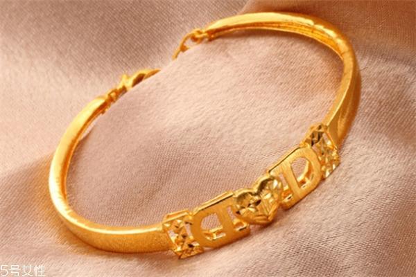 黃金手鐲什麼款式好看 款式是很重要的 - 每日頭條