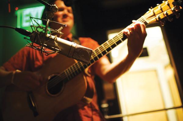 不懂電箱吉他怎麼使用的舉手。送你8條秘訣 - 每日頭條