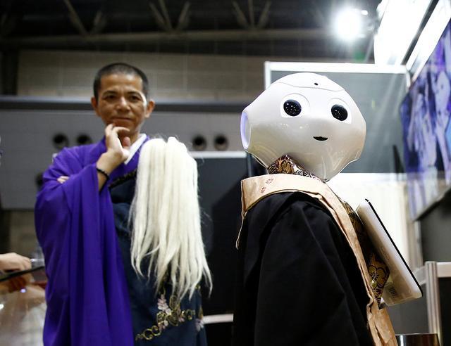 和尚的飯碗被搶了,機器人竟然入侵了日本的殯葬業 - 每日頭條