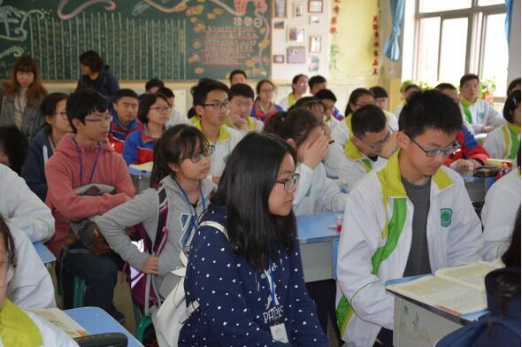 香港「中國語文菁英」金獎獲得者代表團來西安中學訪問交流 - 每日頭條