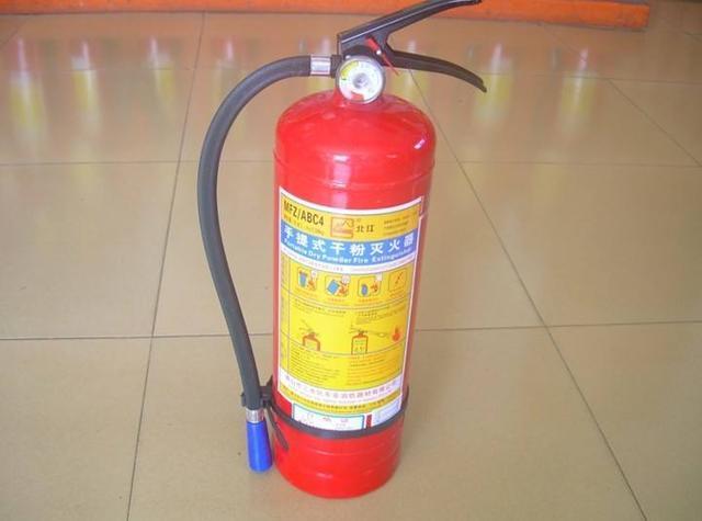 乾粉滅火器原理 乾粉滅火器使用 - 每日頭條