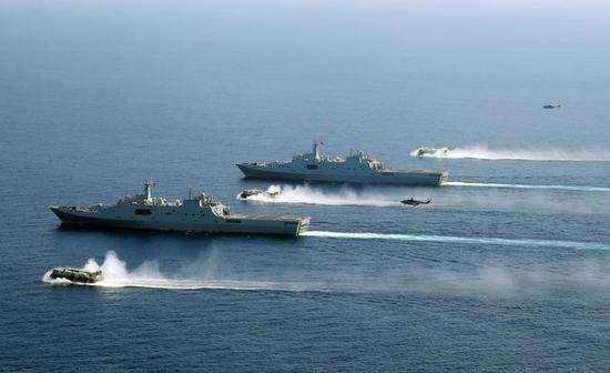 075兩棲攻擊艦與日本「出雲」級如何比較? - 每日頭條