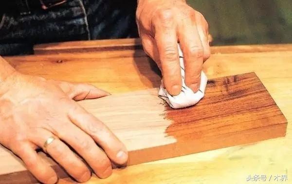 「木界」哪種工藝好?紅木家具燙蠟、上漆、光身工藝的優劣比較 - 每日頭條