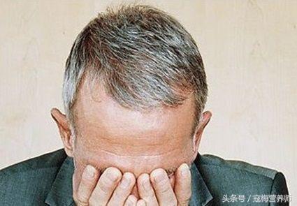 這些方法都是擺脫白髮的「剋星」讓你頭髮烏黑亮澤 - 每日頭條
