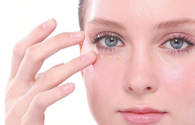 厲害了!這些方法能快速祛除黑眼圈 讓眼睛年輕10歲 - 每日頭條