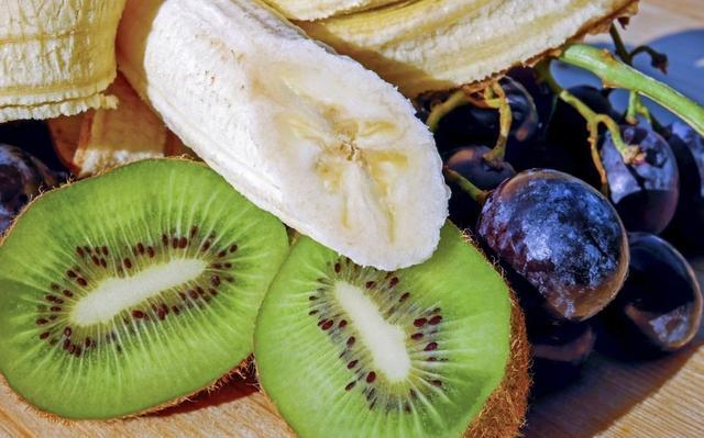 新冠病毒在蔬菜水果上也能存活?果蔬這樣清洗消毒。安全享美味 - 每日頭條