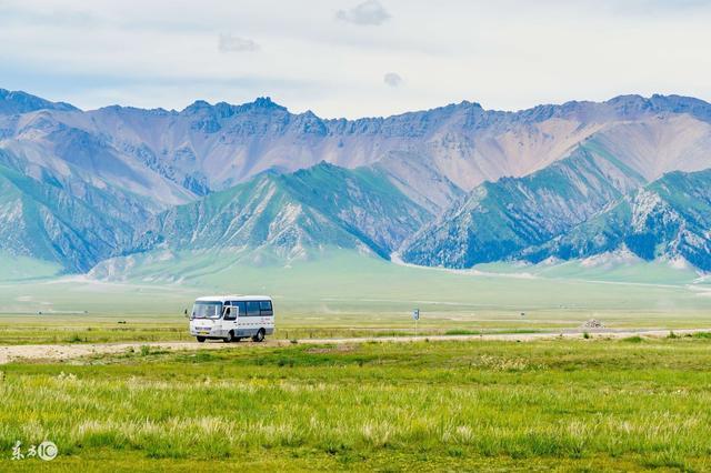 那拉提草原 居住著能歌善舞哈薩克族。人美風景美 - 每日頭條