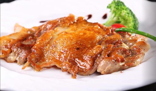 雞肉別直接下鍋炒,教你做好吃的黑椒雞扒,又香又嫩,超過癮 - 每日頭條