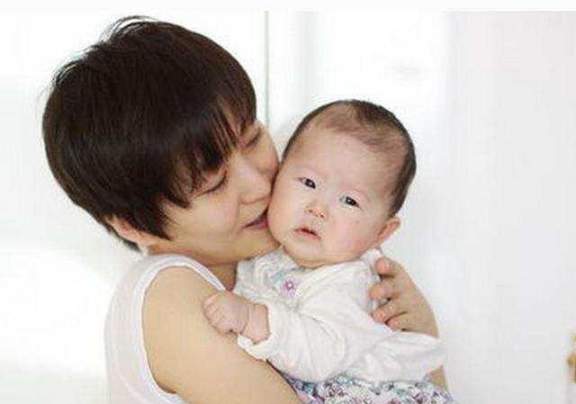 寶寶幾個月會開始認人?寶寶的這三種表現告訴你他認識媽媽了 - 每日頭條