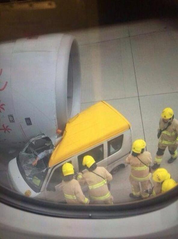 地勤車犯糊塗靠近飛機。撞上勞斯萊斯引擎後不敢出聲 - 每日頭條
