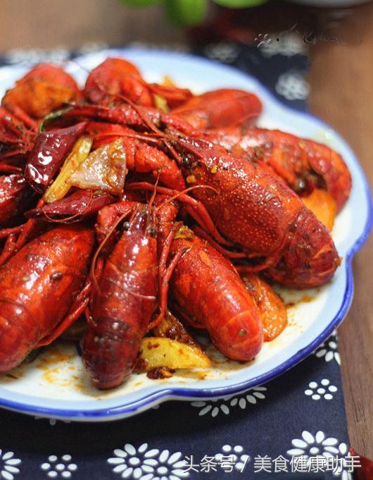 小龍蝦體內有大量寄生蟲。烹飪不好就相當於吃蟲! - 每日頭條