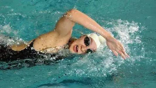 自由劃臂如何發力用力。很多游泳老司機都錯了 - 每日頭條